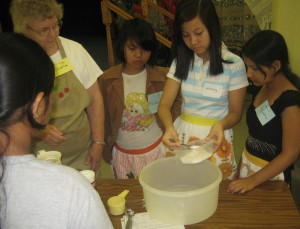 Refugee Transitions Summer Camp Baking