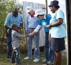president-jimmy-carter-rosalynn-habitat-for-humanity-east-bay-silicon-valley-carter-work-project-2013