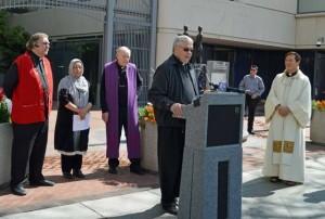 interfaith-council-economics-justice-santa-clara-county-foot-washing-ceremony-reverand-daryl-lavway-grace-baptist-church